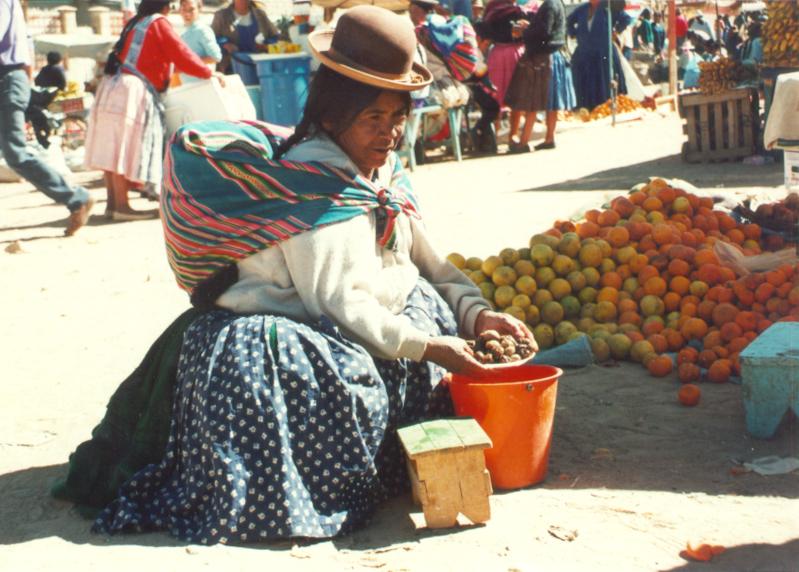 personage sur marché bolivien