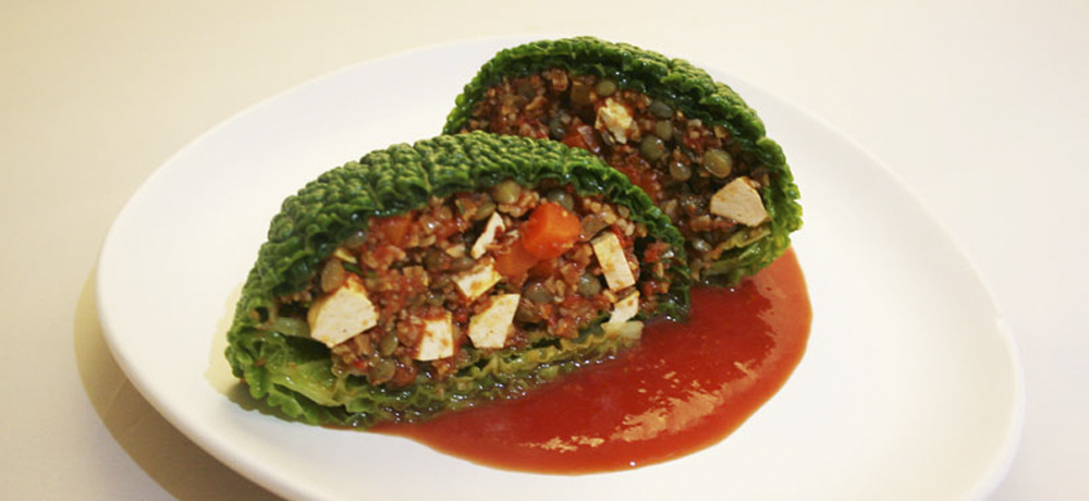 Recette Bio Priméal : Choux farci (lentilles, boulgour de petit-épeautre, tomate)