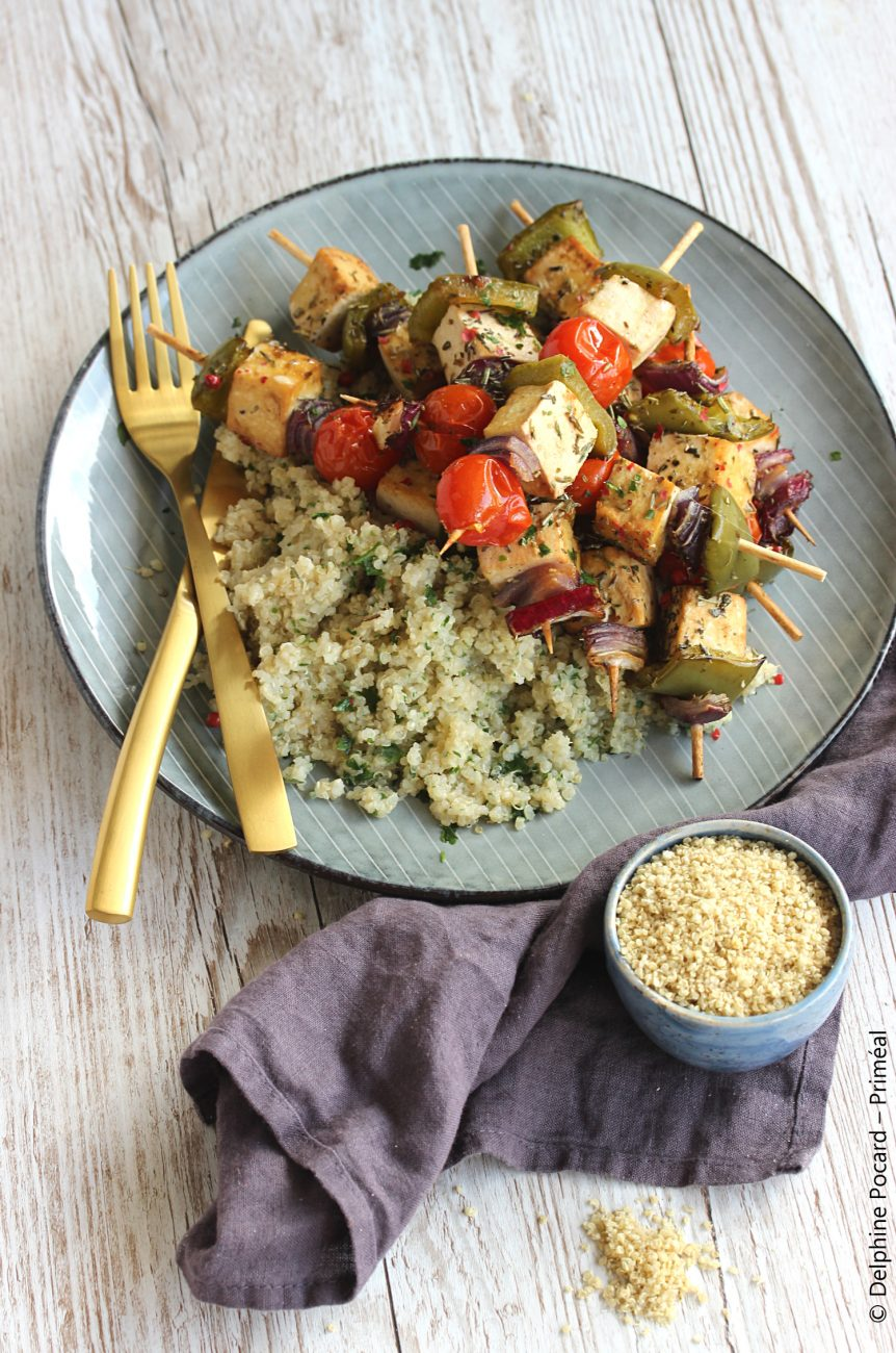 Brochettes veggie au tofu et quinoa express