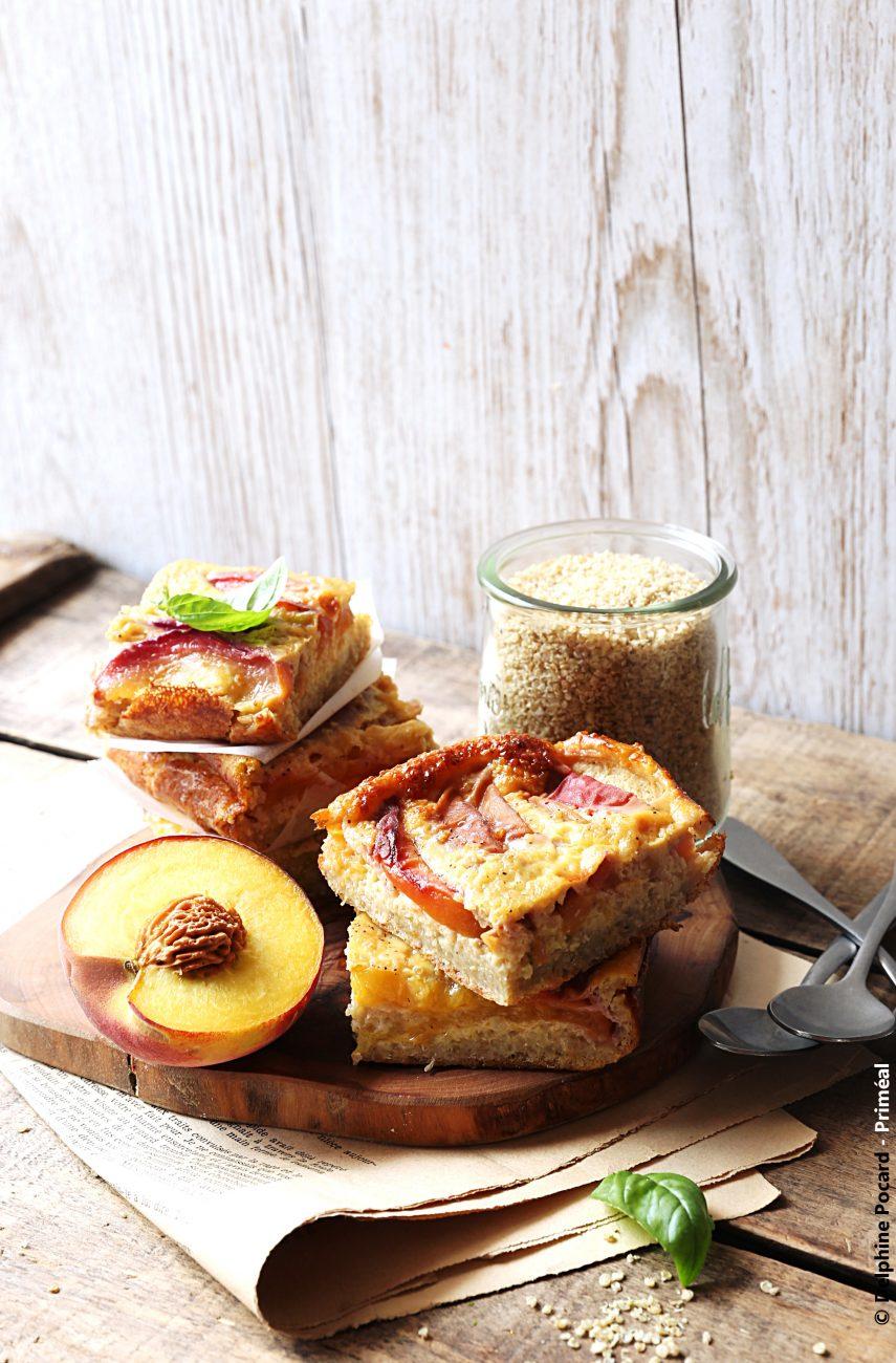 Clafoutis quinoa, pêche et fleur d'oranger